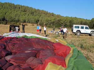 Balloon flight, you can participate in the assembly of the balloon